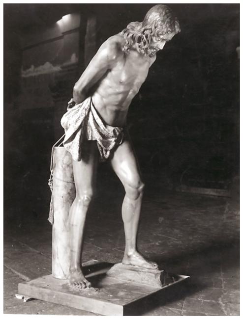 El 27 de marzo de 1942, llega a Úbeda la Imagen de Ntro. Señor en la Columna obra de Francisco Palma Burgos.