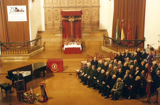 En el año 2000 y como primer acto del 75 Aniversario de la Fundación de la Cofradía, tuvo lugar un Pregón que pronunció el cofrade D. Bartolomé José Martínez García; posteriormente todos los cofrades con una antigüedad de 50 años recibieron un diploma de honor.
