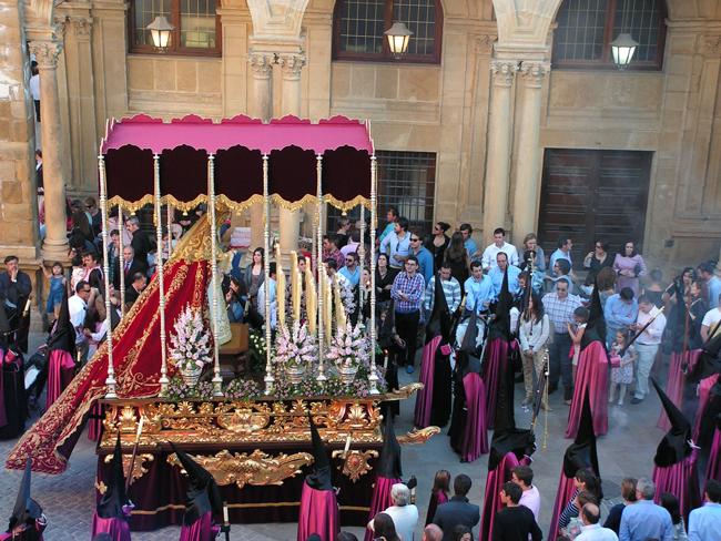 En el año 2014 se produce la finalización del proyecto del trono de la Virgen, que consistió en ampliar su anchura, realzando de forma considerable sus dimensiones.