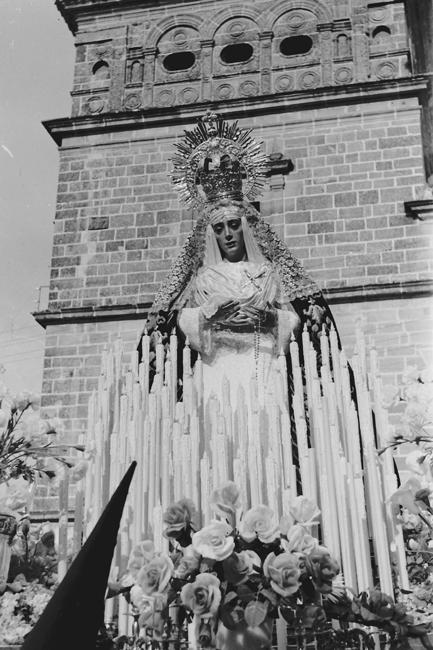 Imagen de María Stma. de la Caridad en la procesión de 1962