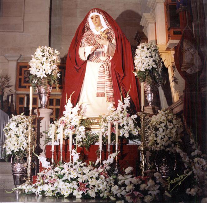 María Stma. de la Caridad es vestida de hebrea por primera vez en 1998