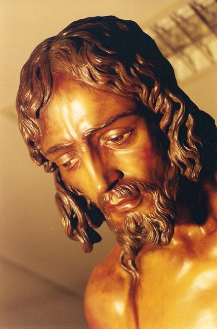 en 1999 la Imagen del Cristo es sometida a un proceso de restauración integral que lo dejó como cuando salió de las manos de Palma Burgos